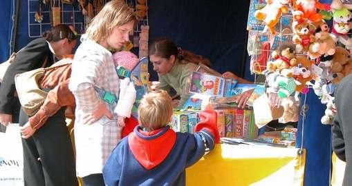 Харьковчане не экономят на школьных товарах