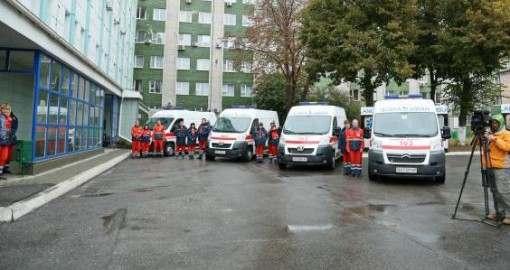 Харьковские медики получили семь новых машин скорой помощи