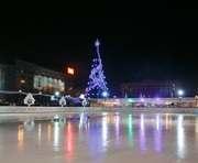 Главное событие зимы - Новогодний каток ROSHEN на главной площади Харькова (реклама)