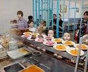 Питание харьковских школьников стало разнообразнее