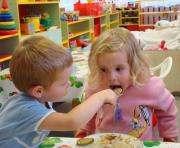 Сколько раз должны кормить малышей в садиках