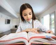 Рада вернула школьникам и учителям бесплатные учебники