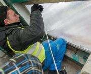 Харьковские коммунальщики принимают заявки на ремонт в подъездах