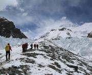 2015 год побил рекорд по количеству погибших на подступах к Эвересту