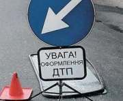 В Харькове сотрудник автомойки попал в ДТП на угнанной машине