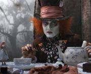 Вышел новый трейлер «Алисы в Зазеркалье» с Джонни Деппом