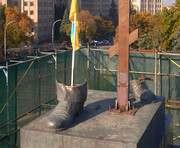 Лабутены Ильича: из сапог Ленина предлагают пустить фонтан