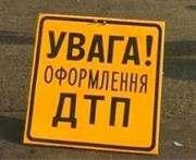 В Харькове иномарка врезалась в электричку: фото-факт