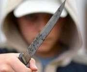 Харьковчанка с ножом напала на соседа