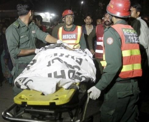 Теракт в Пакистане: количество жертв растет