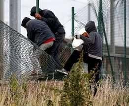 Кабмин решил впускать меньше мигрантов в Украину