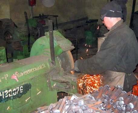 В харьковской колонии выпускают оборудование для шахт