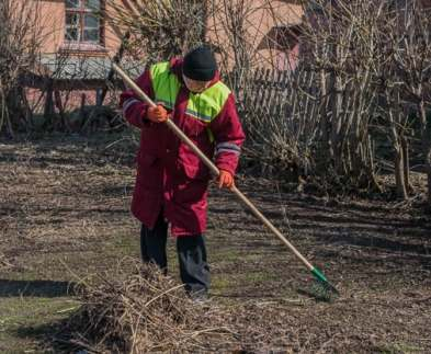 В Харькове проходит весенняя уборка