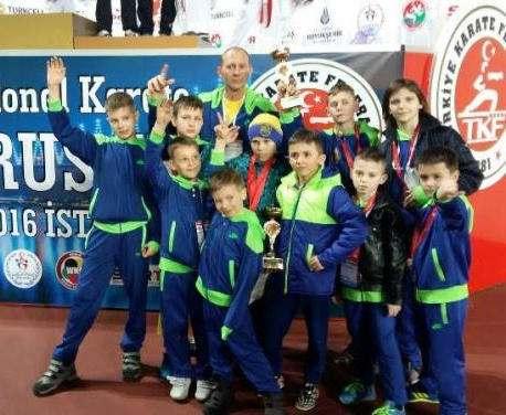 Юные харьковчане-каратисты завоевали медали