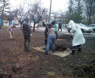 В Харькове прошли субботники по районам