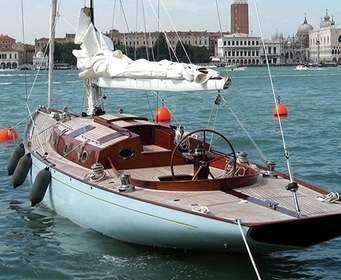 Яхту Джеймса Бонда выставят на продажу