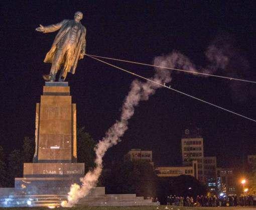 В Харьковской области почти 800 коммунистических объектов лишены статуса памятников