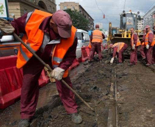 На площади Павловской в Харькове продолжат реконструкцию трамвайных путей