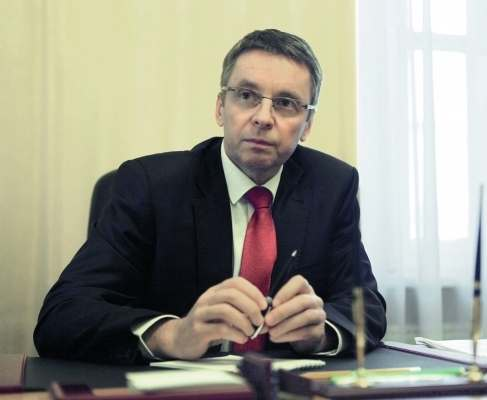 Иван Миклош может отказаться от поста министра финансов из-за языкового барьера