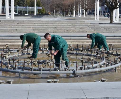 Харьковчане дарят фонтанам свои телефоны