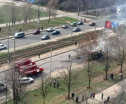 В Харькове на Алексеевке сгорела маршрутка: фото-видео-факты