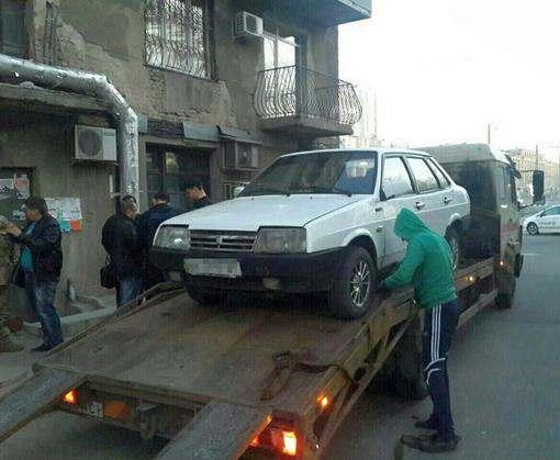 В Харькове копы задержали пьяного военного за рулем