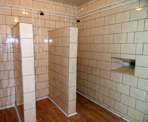 Для заключенных в Харькове открыли современные бани