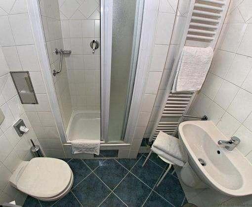 Простые хитрости для уборки ванной комнаты