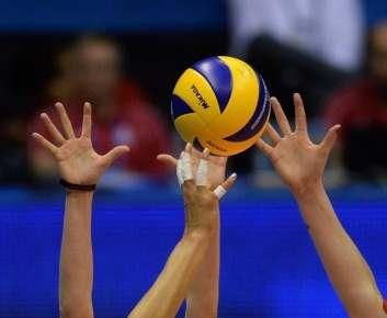 За золото чемпионата по волейболу поспорят «Локомотив» и «Днепр»