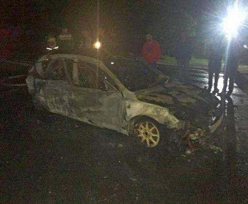 В Харькове спасли девушку из горящего автомобиля