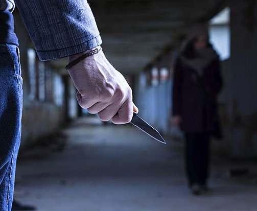 В Харькове на девушку напал грабитель