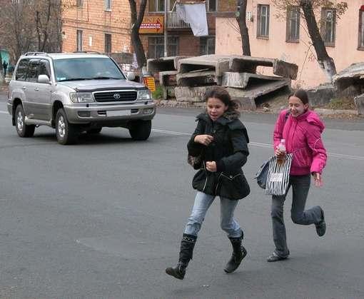 Родители просят обезопасить дороги около харьковских школ