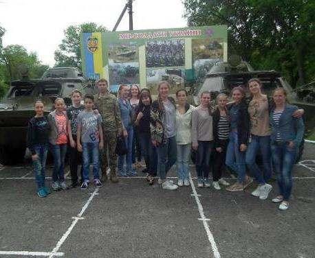 Юные харьковчане дали концерт для военных Полтавщины