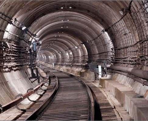 Происшествие в харьковском метро: пьяного мужчину выловили из тоннеля