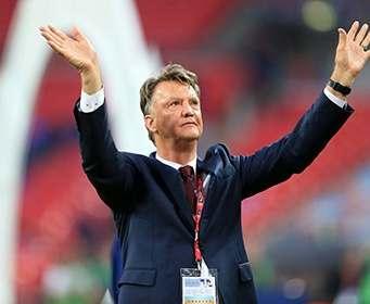 Ван Гал уволен с поста главного тренера «Манчестер Юнайтед»