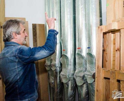 В Харьковской филармонии начали устанавливать орган