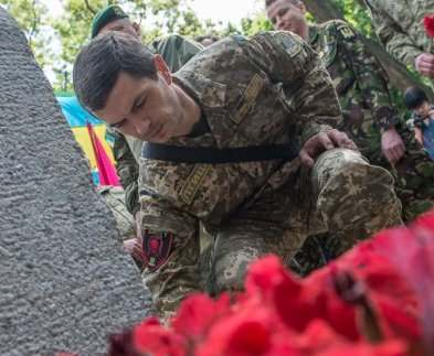 «Киборги» заложили капсулу на месте будущего памятника воинам АТО в Харькове
