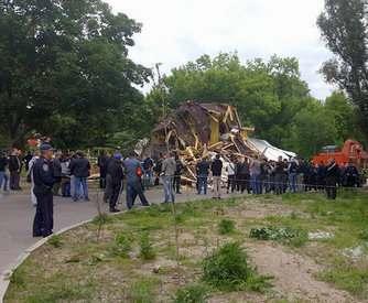 В Харькове снесли здание активистов