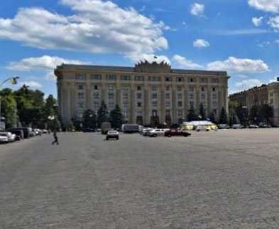 На площади Свободы ограничат движение транспорта