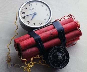 В Харькове бросили взрывчатку во двор дома