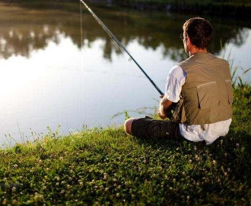 На части водоемов снова разрешили рыбалку