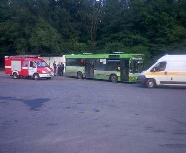 В Харькове автобус раздавил водителя