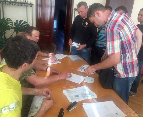 Почти сотня участников АТО получила землю под Харьковом