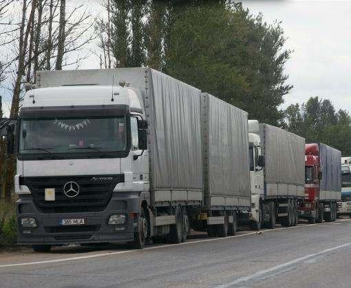 В Харькове временно ограничили заезд грузового транспорта