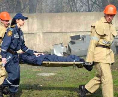 В Харьков со всей Украины едут спасатели