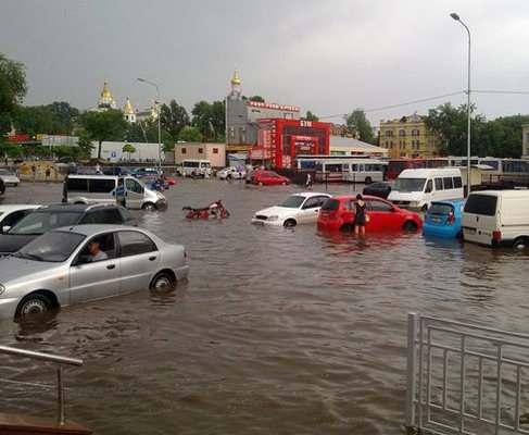 По дороге в ЕС: ливень показал Харькову, что такое Венеция