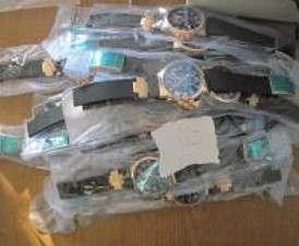 Харьковские таможенники изловили курьера с чемоданом поддельных часов