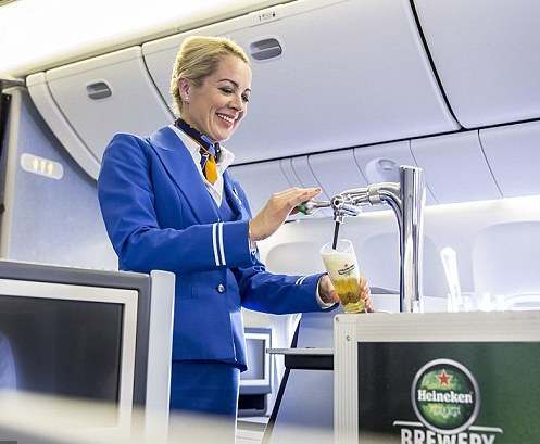 KLM предложит пассажирам разливное пиво