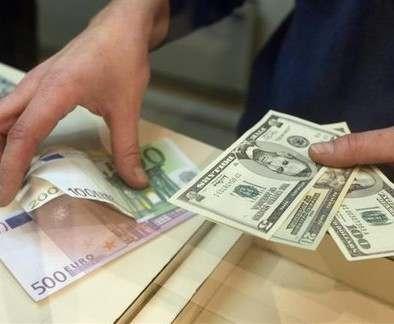 Стажер-неудачник украл деньги из харьковской обменки