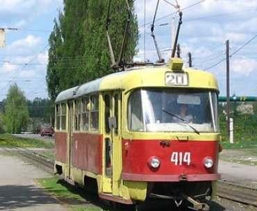 В Харькове на Алексеевке затеяли реконструкцию трамвайной контактной сети